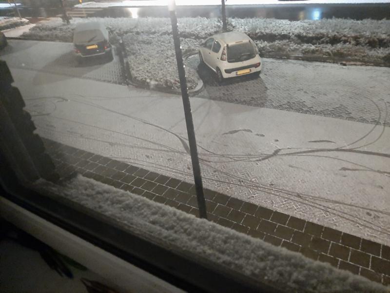 Typisch, sneeuw in Winterswijk (Foto: _UserName_)
