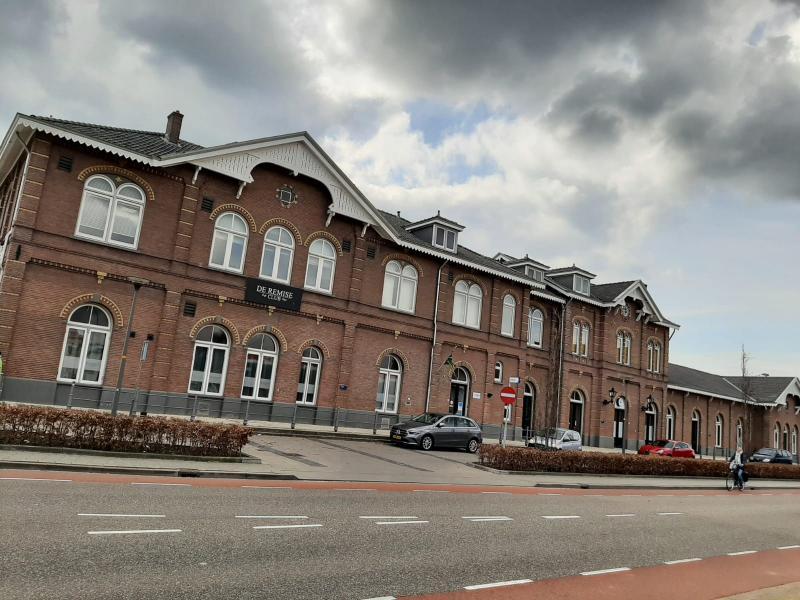 Station Winterswijk waar er soms bewolking was, soms zon was en waar het droog was vandaag. (Foto: _UserName_)