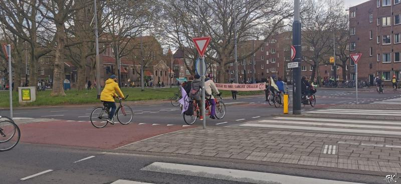 """Demonstratie"" van Extinction Rebellion in Amsterdam Zuid (Foto: DJMO)"