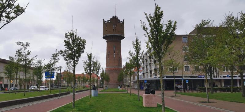 De watertoren in Den Helder, bewolkt maar droog! (Foto: DJMO)