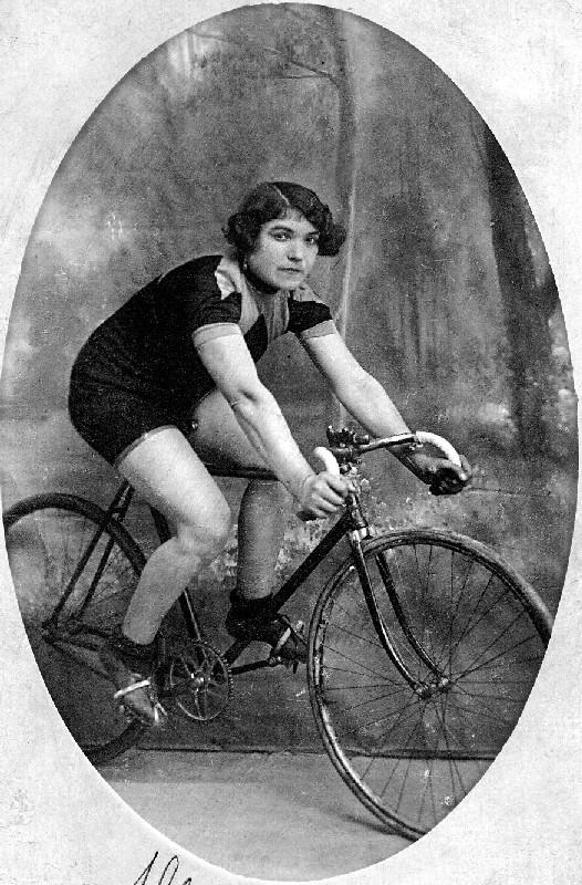 Alfonsina Strada (WikiCommons)