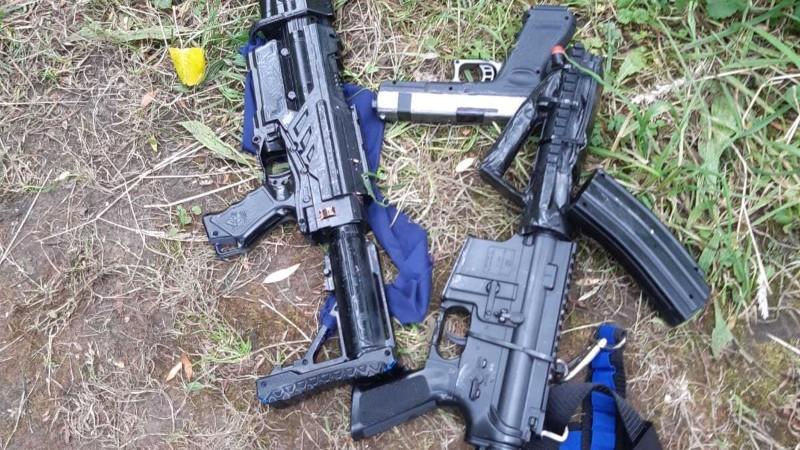 'Zware wapens' ( Bron: Politie)