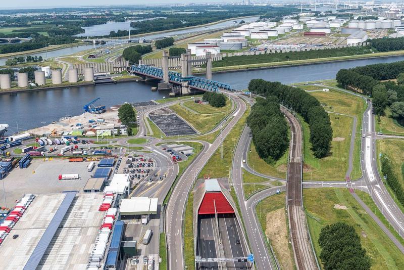 Het nutteloze feitje van de dag: Enorm windscherm voor schepen (WikiCommons/https://beeldbank.rws.nl, Rijkswaterstaat/Joop van Houdt)