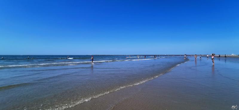 Aan zee (Foto: FOK!)