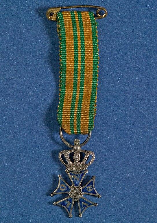 De felbegeerde medaille als beloning voor vier dagen wandelen en in 1917 ook nog een stukje hardlopen voor de militairen (WikiCommons/Koninklijke Begeer)