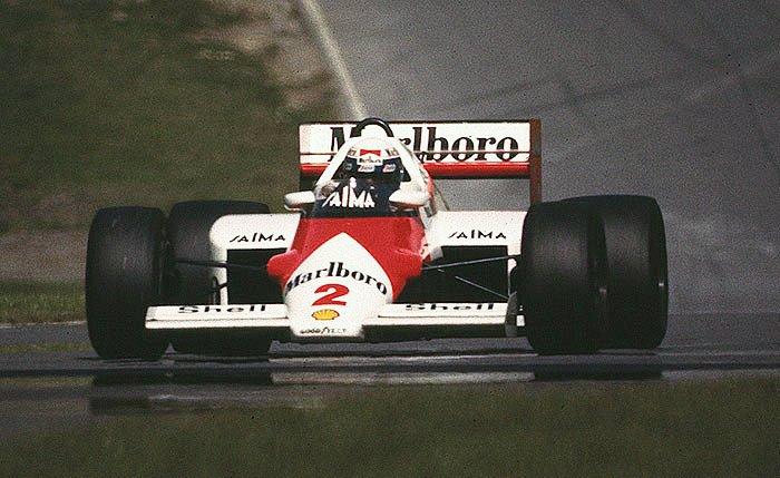 Racewinnaar Alain Prost (WikiCommons/PSParrot)