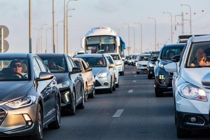 Megadrukte op de weg (Foto-Pixabay)